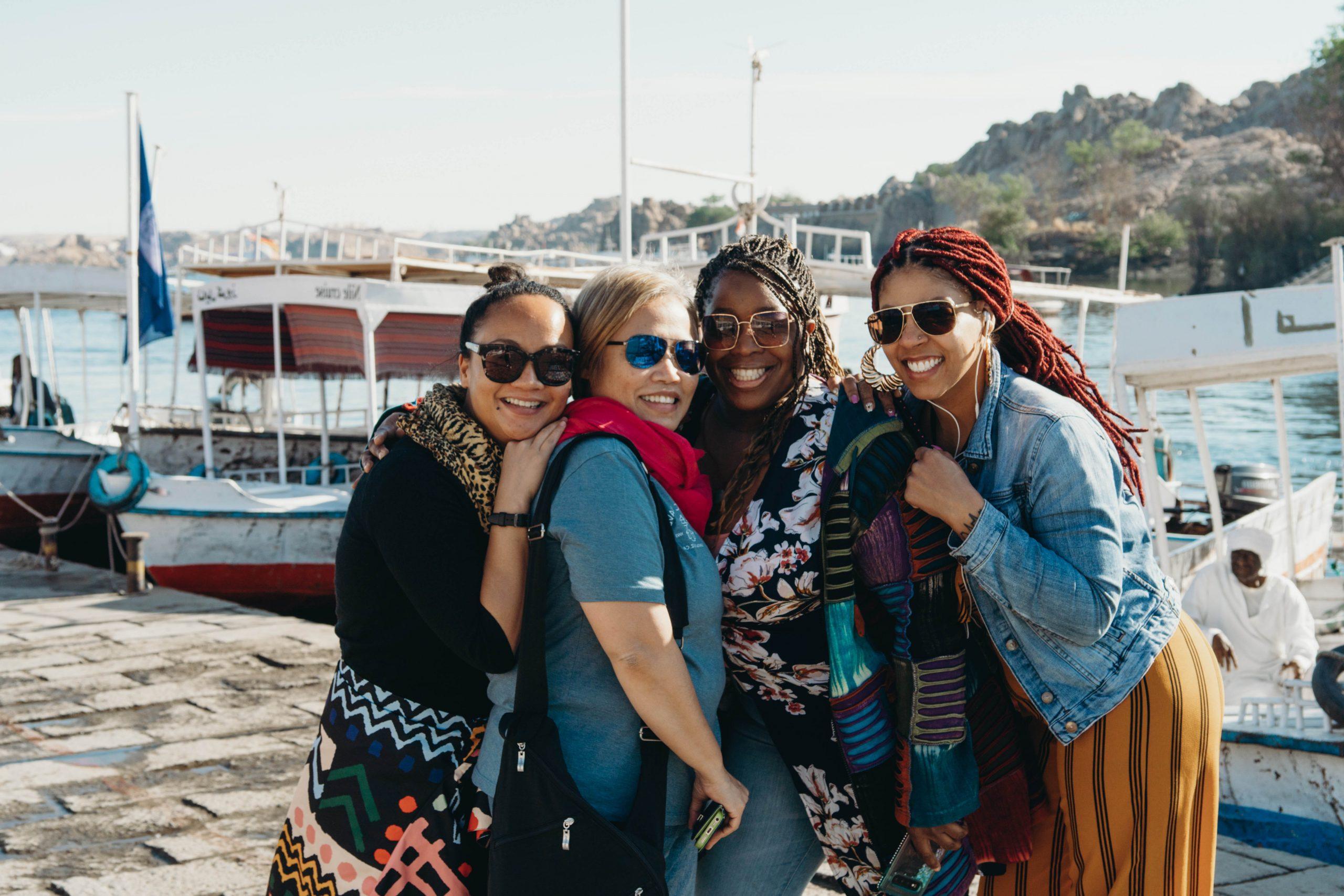 women traveling solo organized tour