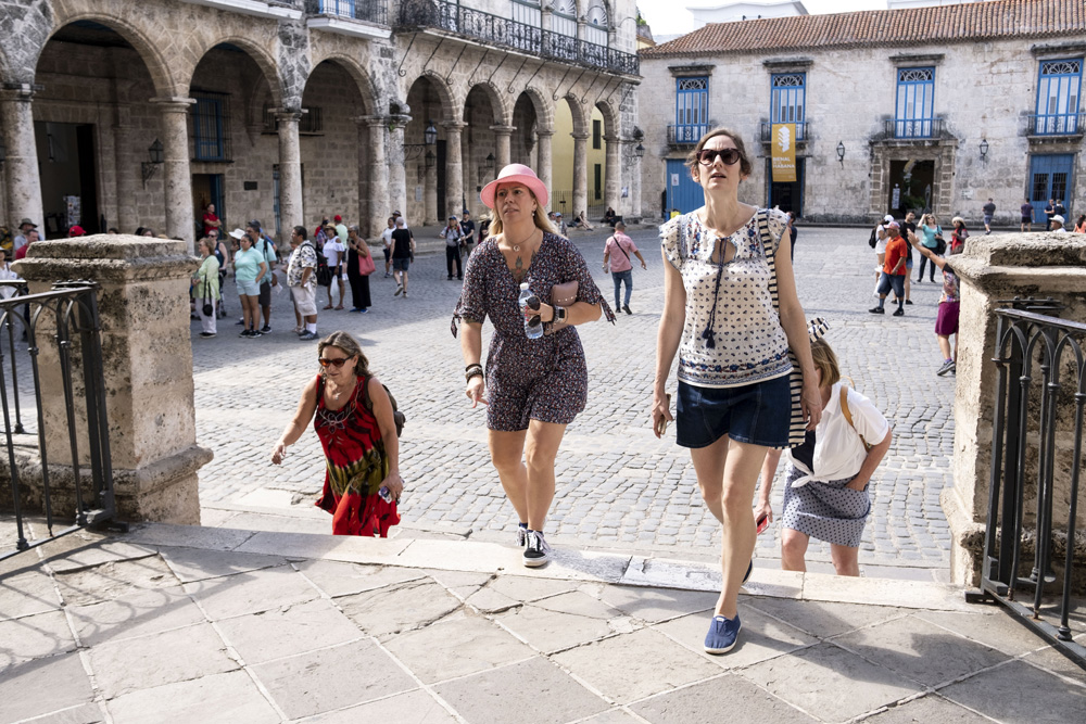 Woman in Havana on Solo Tour