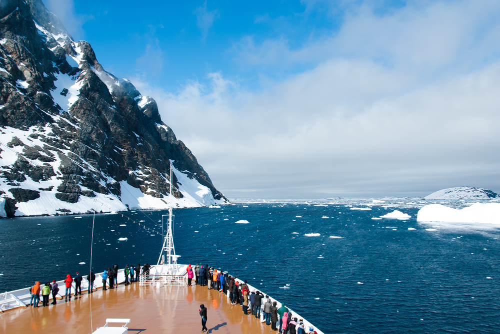 Solo Travel Network Tour of Antarctica