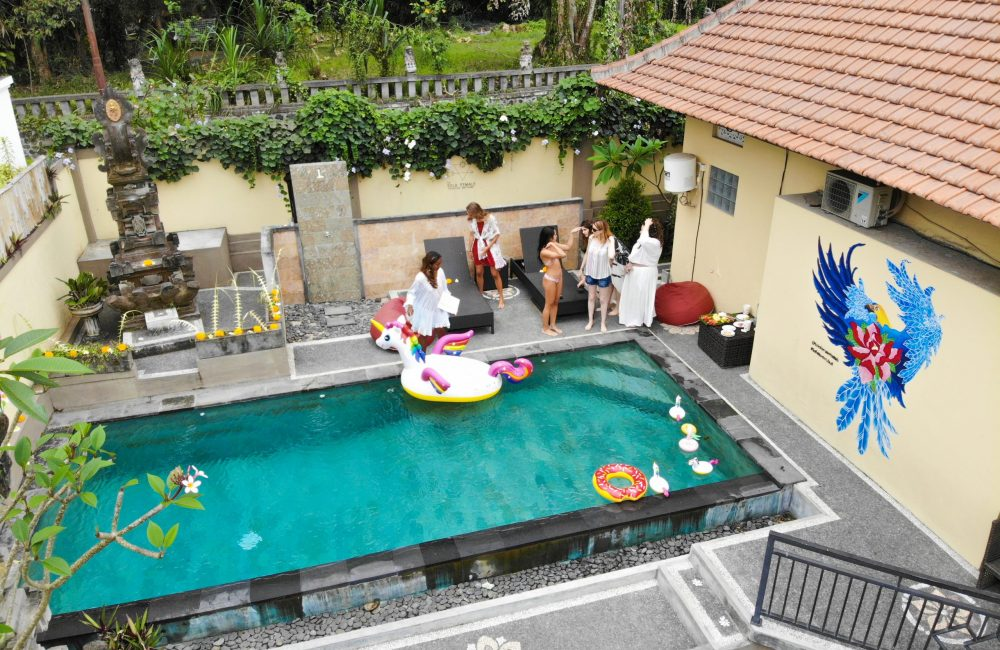 hostel for solo female travelers